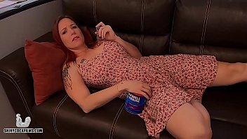 Кавалер трахнул секс игрушками девушку в колготках и поимел ее в попка