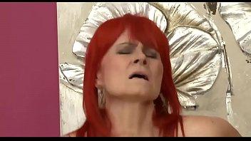 Лесбийский секс на кухне с блондинками